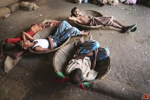 aptopix-bangladesh-summer-2009-6-22-7-51-47