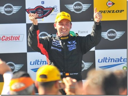 Alvaro-Rodriguez-podium-MINI-Challenge-Jarama_452x340