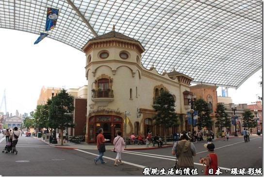 日本-環球影城,園區內的每棟建築物幾乎都是仿照電影情節中的樣式,當然也是西方的建築。