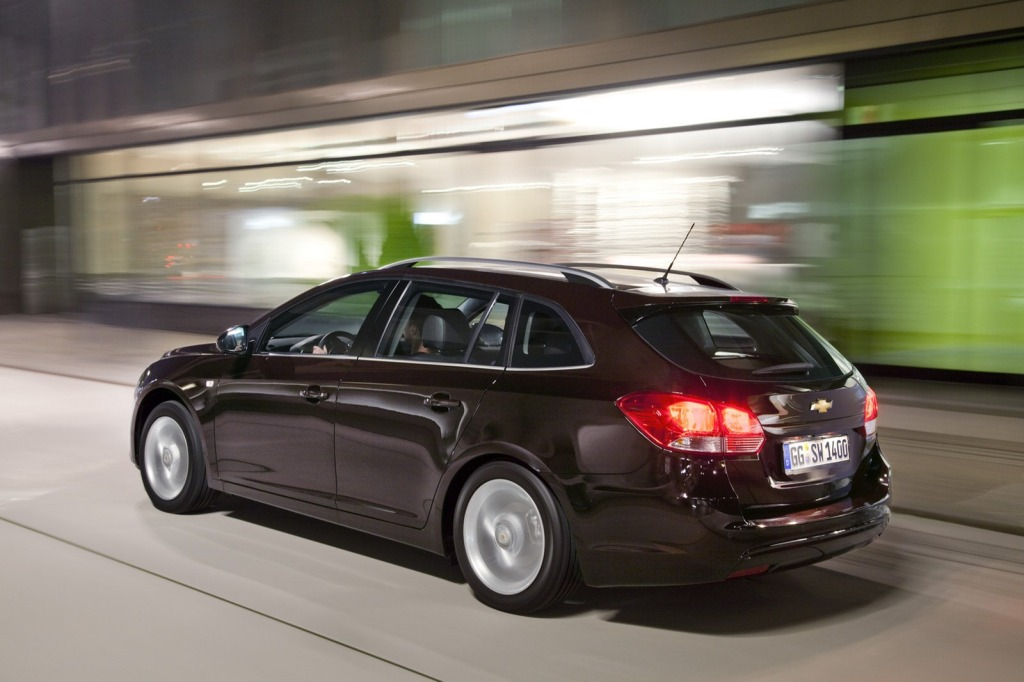 2013-Chevrolet-Cruze-Facelift-13.jpg?imgmax=1800
