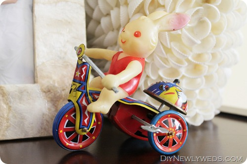 easter-tin-windup-toy