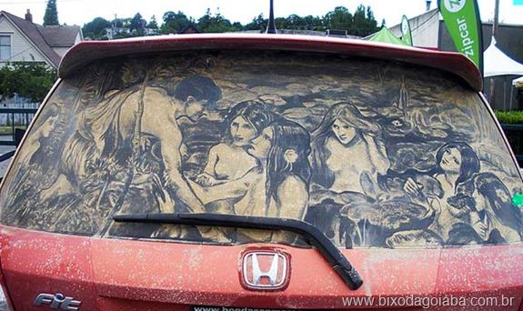 Desenhos em vidros de carros sujos 1