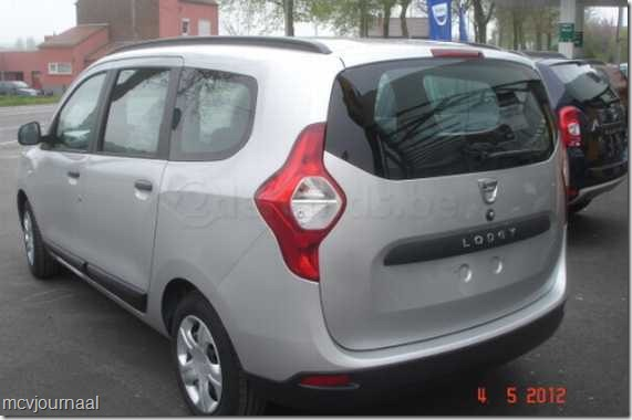 Dacia Lodgy in de showroom 01
