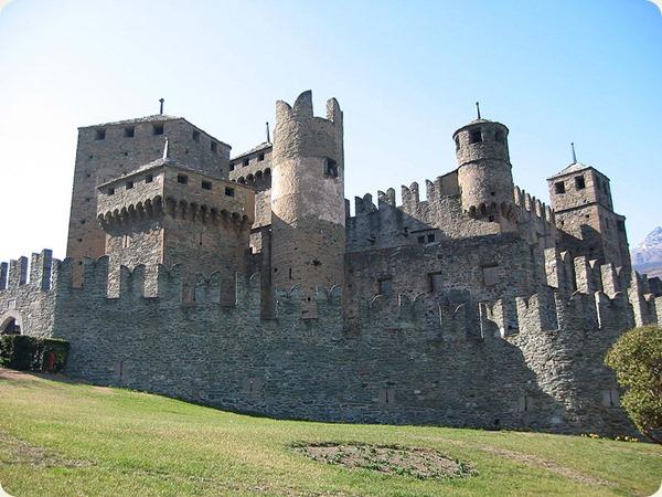 valle d'aosta Castello_Fénis