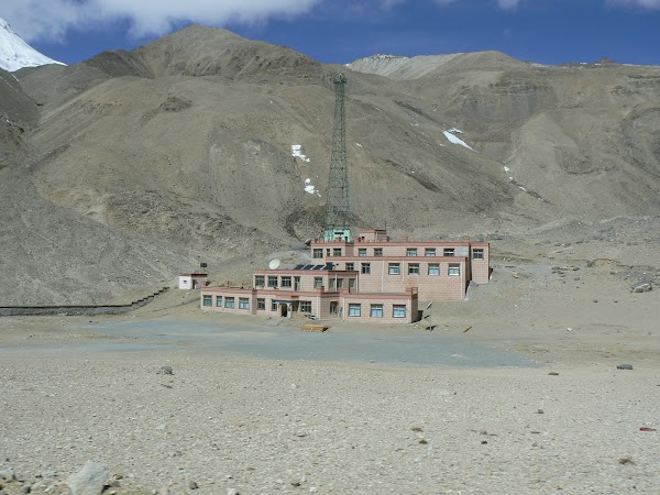 Imagini Tibet: hotel Rongphu langa Everest Base Camp