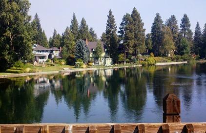 Homes on Mirror Pond