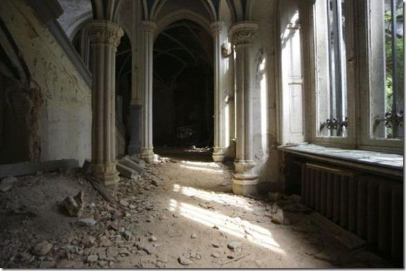 abandoned-castle-belguim-38