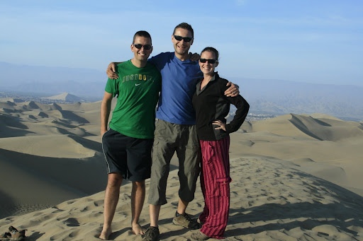 Chris, our adopted travelling companion in Huacachina, me and Lynette.