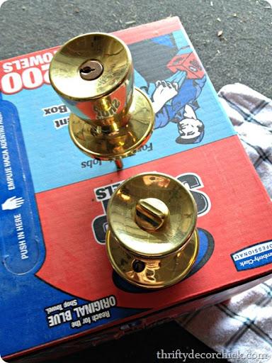 Spray Painting Brass Knobs