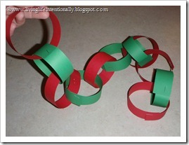Paper Chain Advent