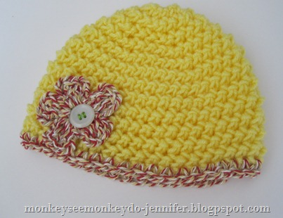 crocheted baby hat with button (2)