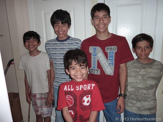 Homeschooling6 Kids