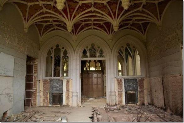 abandoned-castle-belguim-35