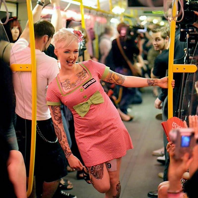 Chevrolet Underground Catwalk 2011: Fashion Show on Subway Train