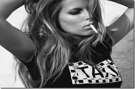 Woman-Ends-Smoking
