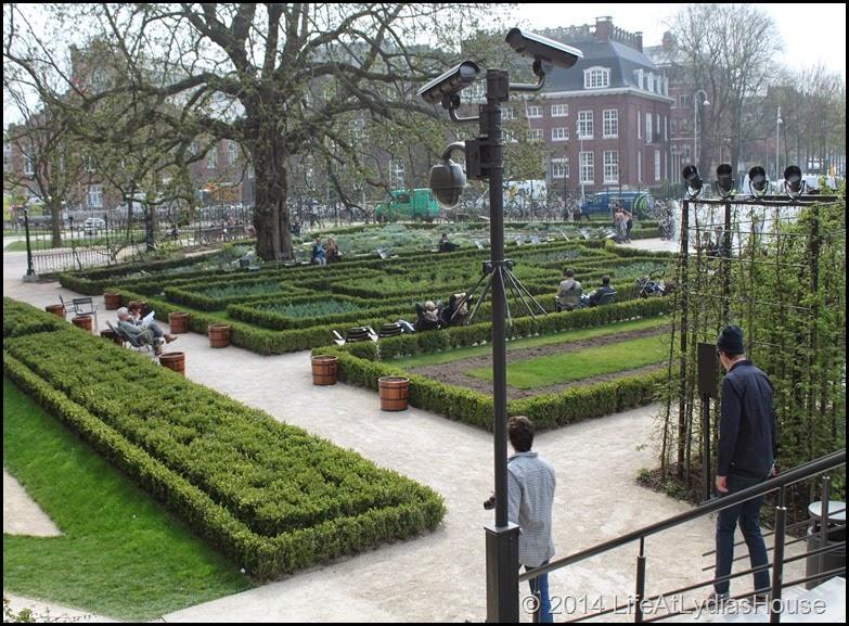 Rijks Museum Garden 2