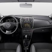 2013-Dacia-Logan-Sandero-Interior-6.jpg
