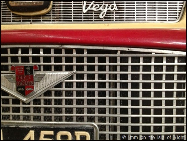Front grill detail ADL459B Bedford SB3