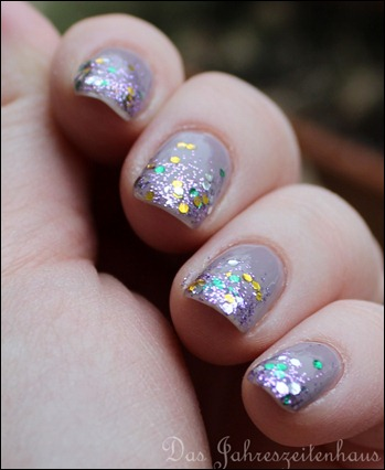 Glittery Tips 4