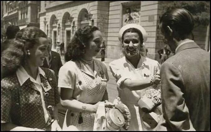LAS CHICAS DE LA CRUZ ROJA 1947