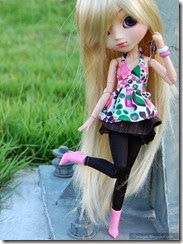 Cute-doll-fashionable-barbie-girl