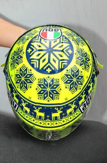rossi-casco-mediaset7.jpg