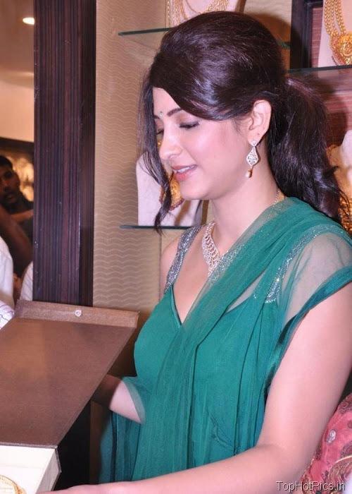Shruti Hassan Hot Navel Photos 2012 6