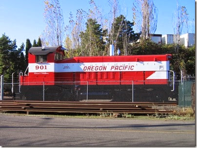 IMG_9326 Oregon Pacific SW900 #901 in Milwaukie on November 22, 2007