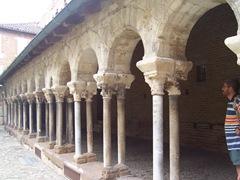 2009.05.21-022 cloître Saint-Salvi