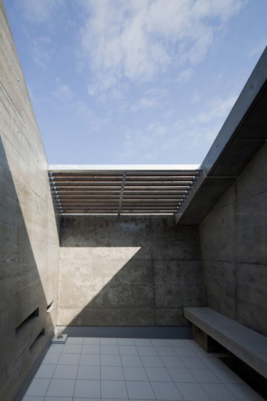 house in fuji by level architects 4
