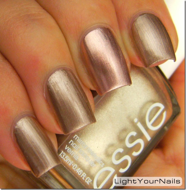 Pupa Chrome 10 vs Essie Penny Talk