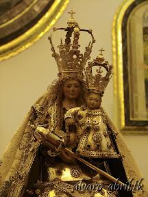 nuestra-señora-de-la-antigua-patrona-de-almuñecar-vestida-alvaro-abril-fiestas-almuñecar-2013-felicitacion-novena-procesion-maritimo-terrestre-(11).jpg