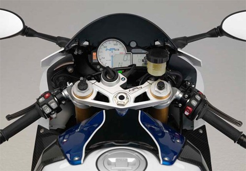 BMW S1000RR HP4 control
