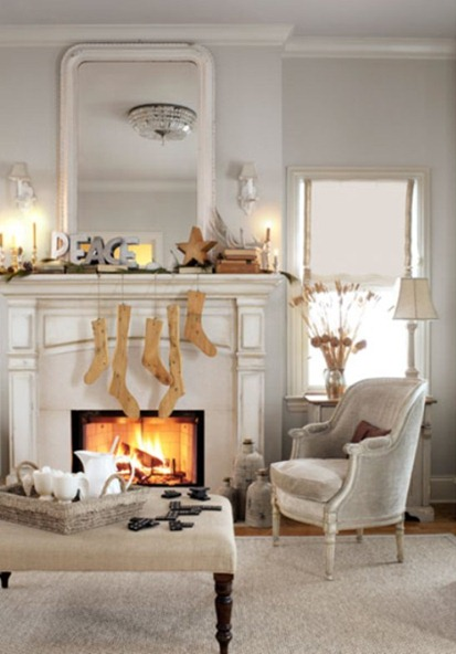 Shabby and Charme: Una cornice di camino….ed è Natale! A Fireplace mantel and it's Christmas!…