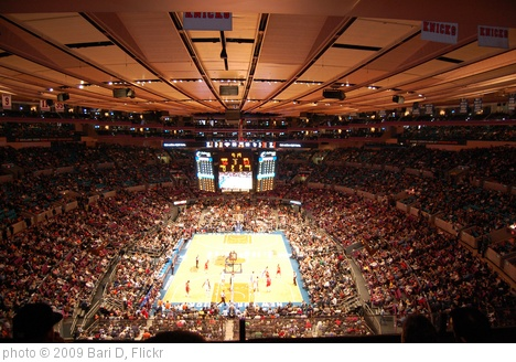 'Knicks Vs. New Jersey Nets 12/6/09' photo (c) 2009, Bari D - license: http://creativecommons.org/licenses/by-nd/2.0/