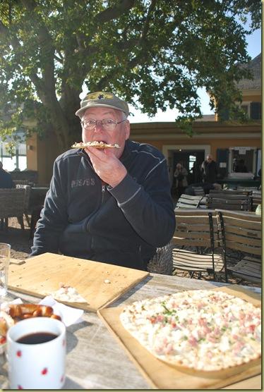 2011-10-23 Bestefar mit spezialität Schloss Jahanissberger