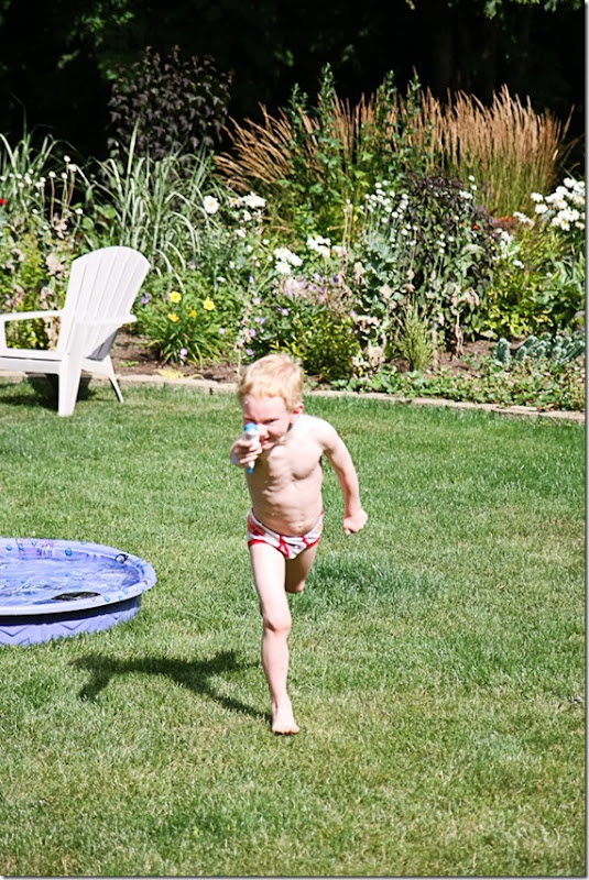 kids playing in the pool-29 blog