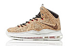 nike lebron 10 gr cork championship 9 11 @KingJames Wears NSWs Nike LeBron X Cork Off the Court