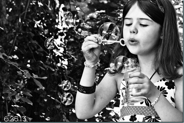 MHG bubbles bw
