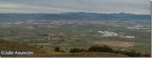 Vista de Pamplona desde la Sierra del Perdón