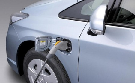 Toyota Prius-Plug-in Hybrid1
