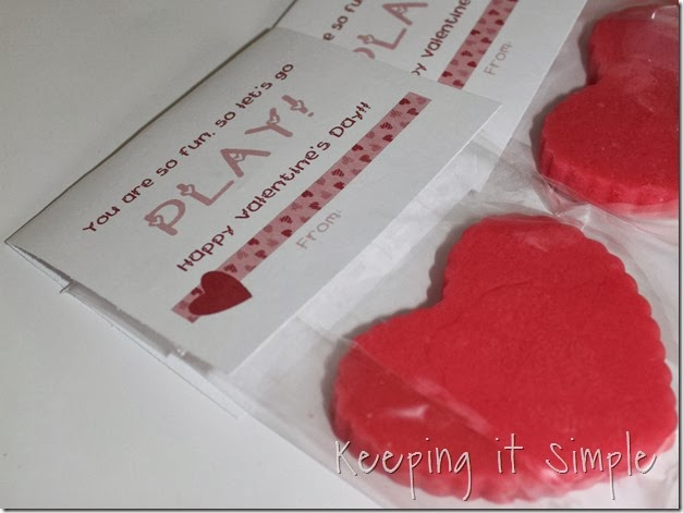 homemade-play-dough-easy-valentine (10)