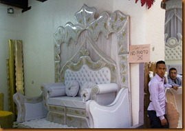 Fes, wedding couch