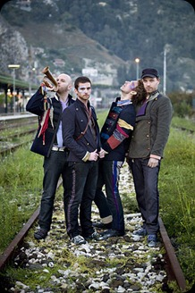 Coldplay  On The Tracks 2008