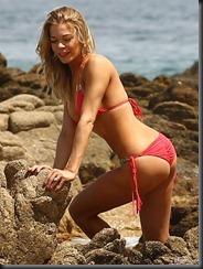 leann-rimes-bikini-eddie-cibrian-0501-08-675x900
