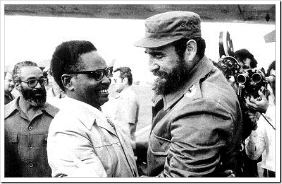 Agostinho Neto e Fidel Castro