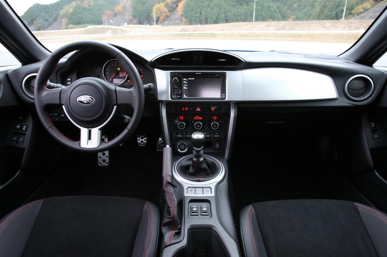2013-Subaru-BRZ-Coupe-Interior-6.jpg?imgmax=1800
