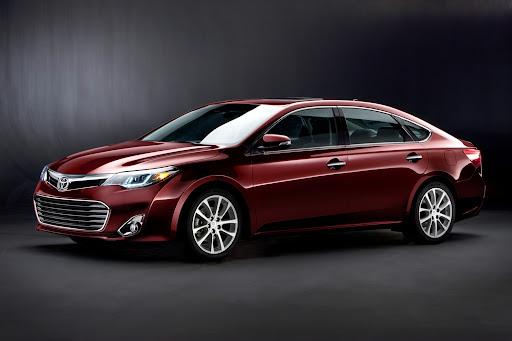 2013-Toyota-Avalon-01.jpg