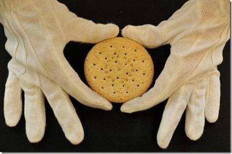 Biscoito é leiloado por R$ 3,6 mil em Londres