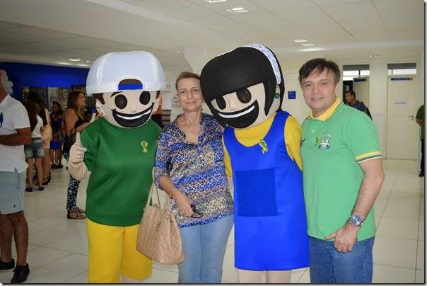 Edu, diretora do CEI, Cidinha e Jarbas Bezerra